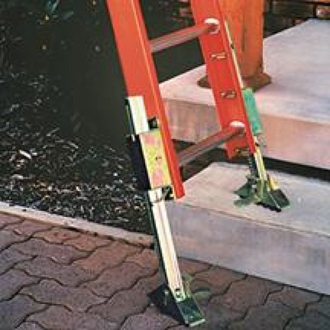 Bauer Level Lad ‐ Manual Ladder Levelers 09015